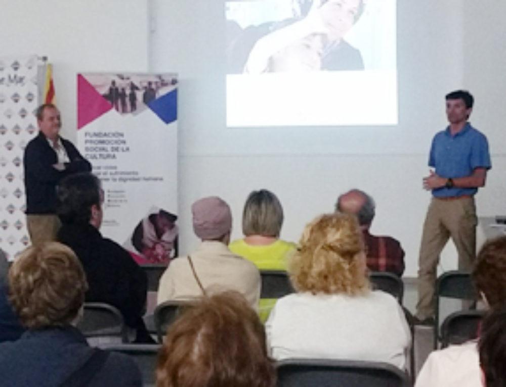 Jóvenes europeos que trabajan con refugiados en sus países, universitarios y alumnos de secundaria participan en las actividades de sensibilización de la FPSC sobre refugiados